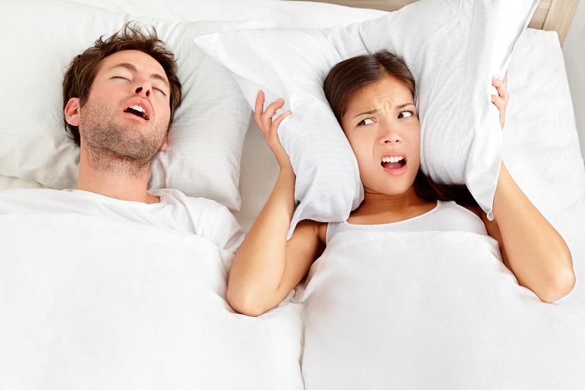 A horkolás és a túlsúly összefügg?